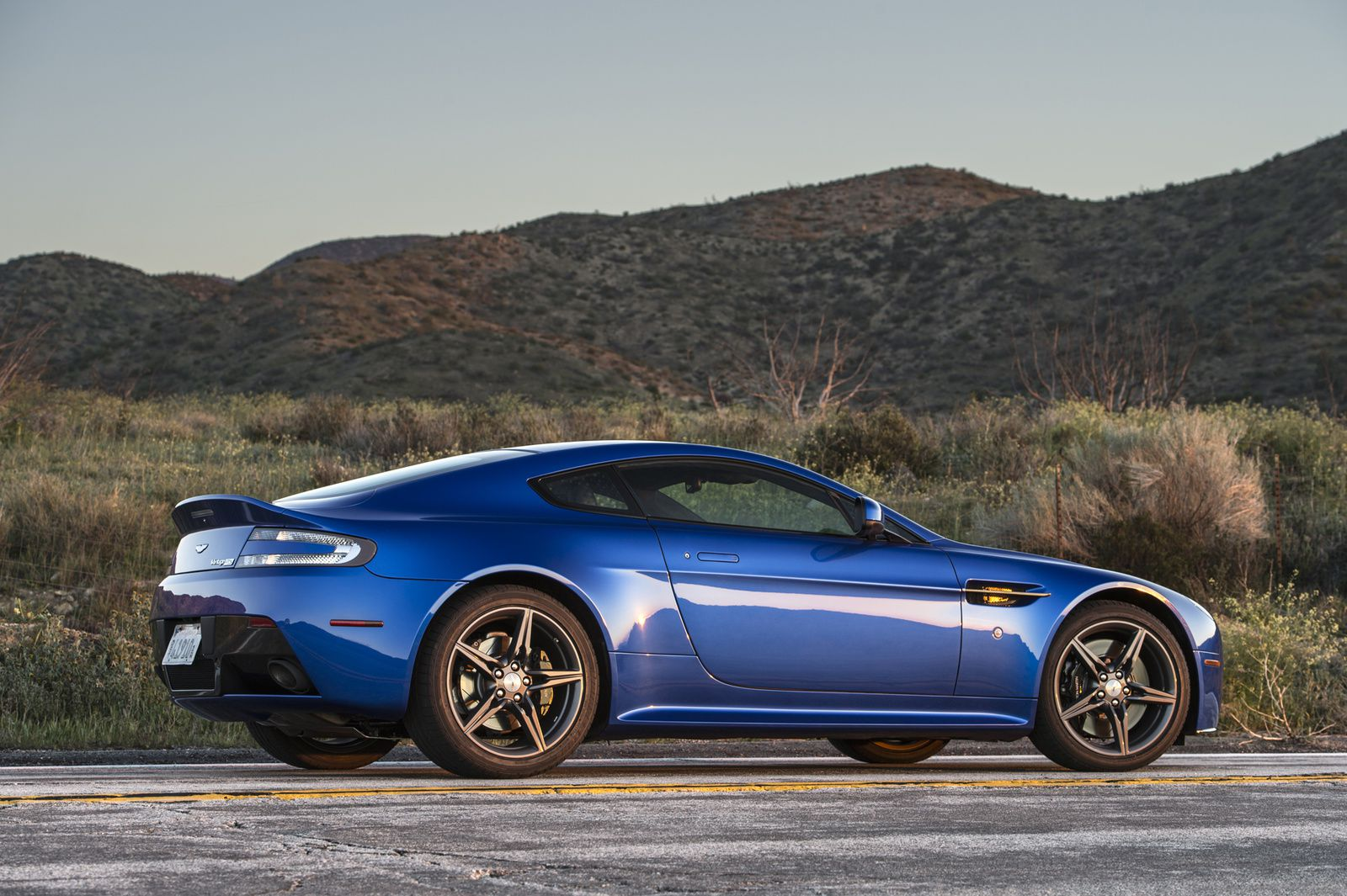Aston Martin V8 Vantage GTS : For USA only !