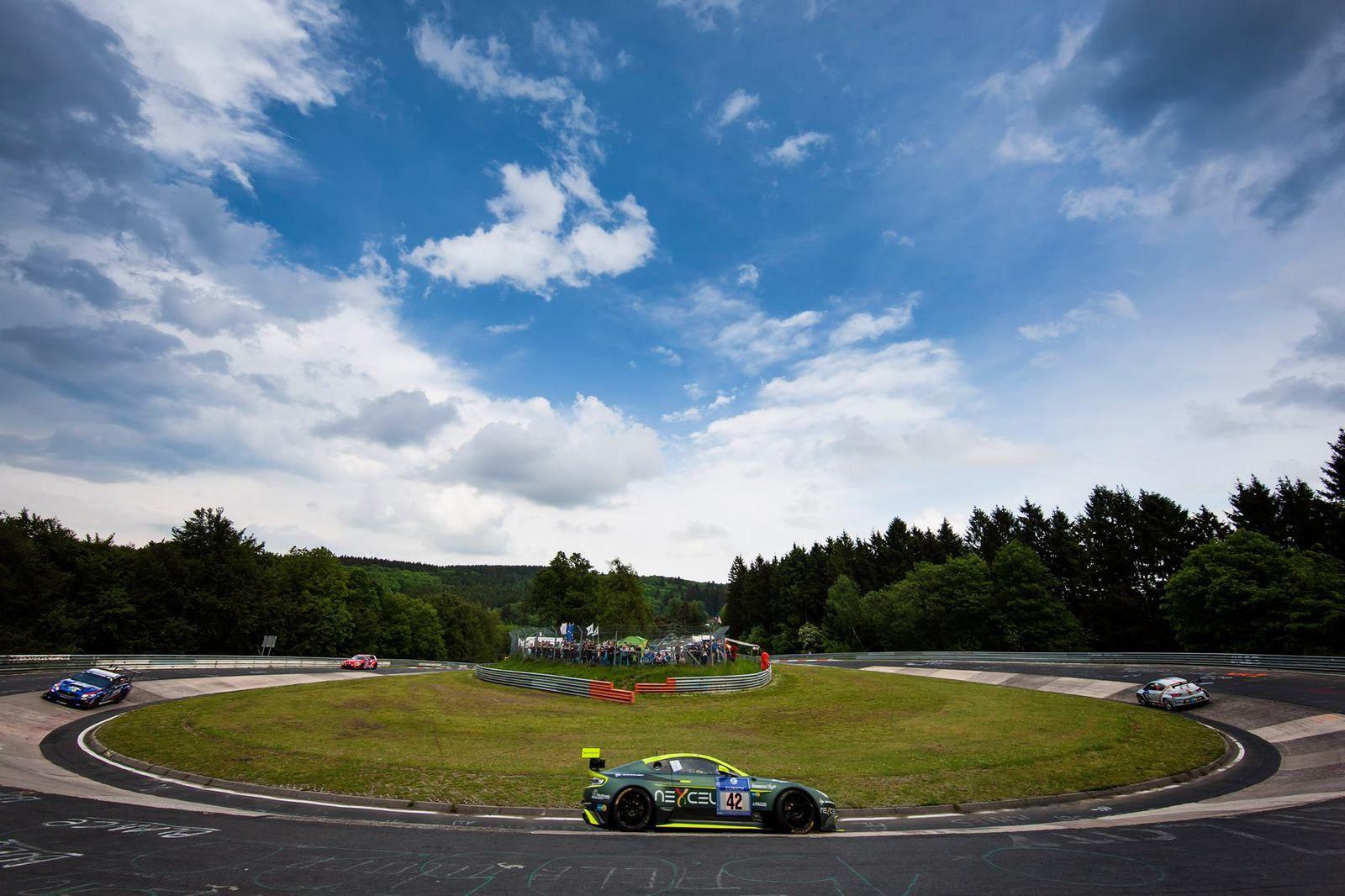 ADAC Zurich Nürburgring 24 Hours 2016 : dur, dur...