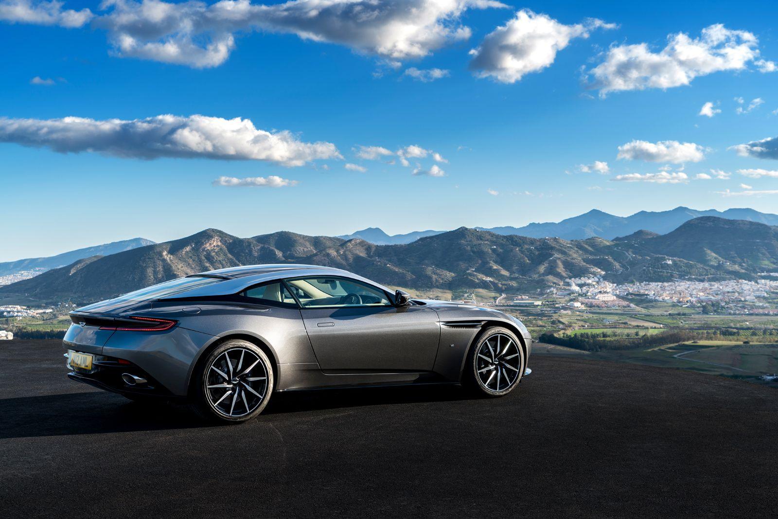 Aston Martin Paris-Bordeaux-Lyon - Partenaire Officiel 2017