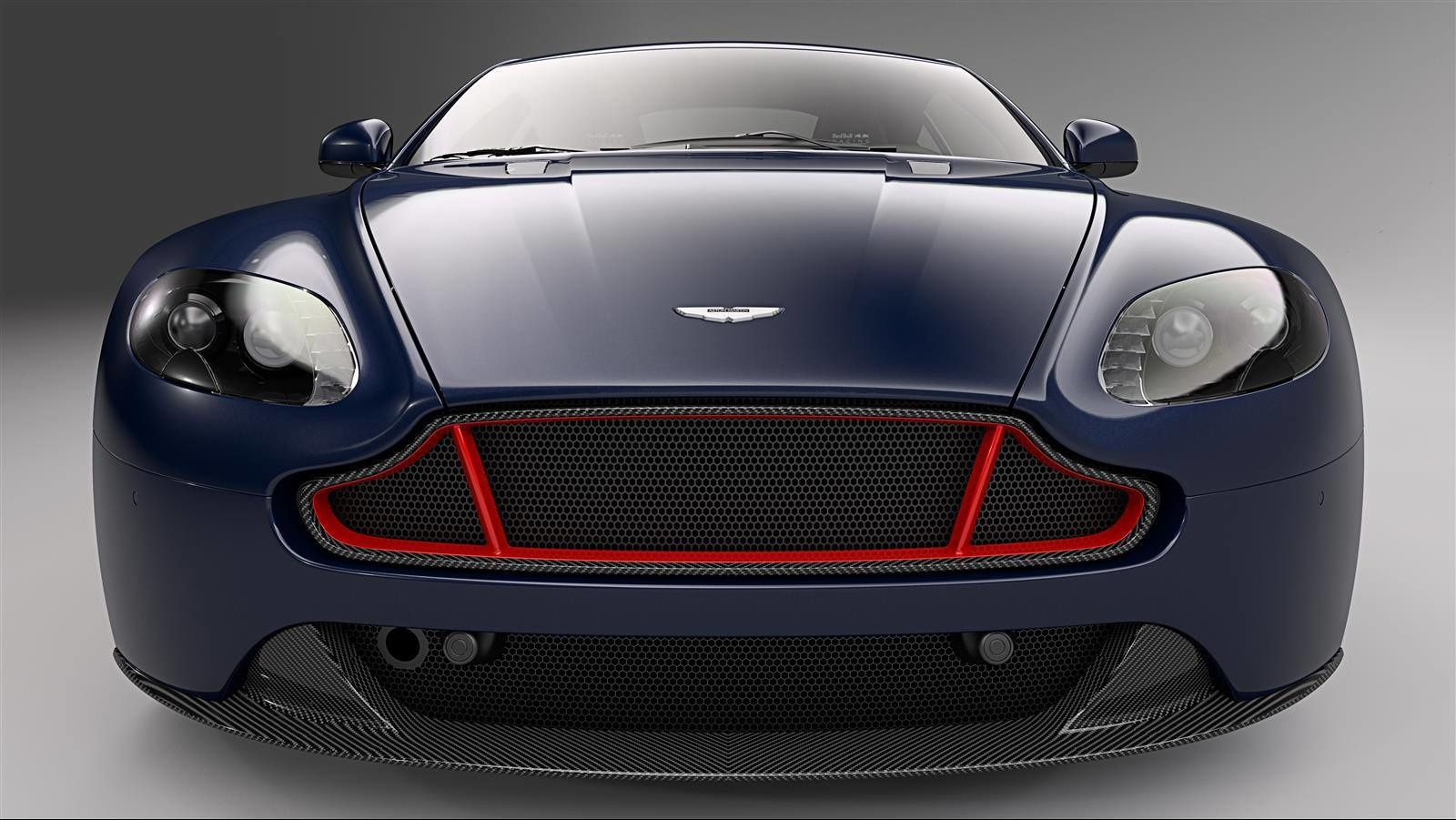Aston Martin V8 et V12 Vantage S Red Bull Racing