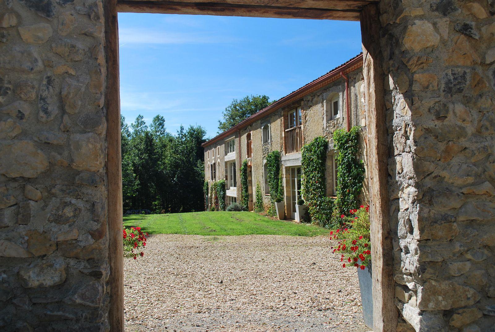 Maison de coumanis grande maison de vacances louer - Sarl de famille et location meublee ...