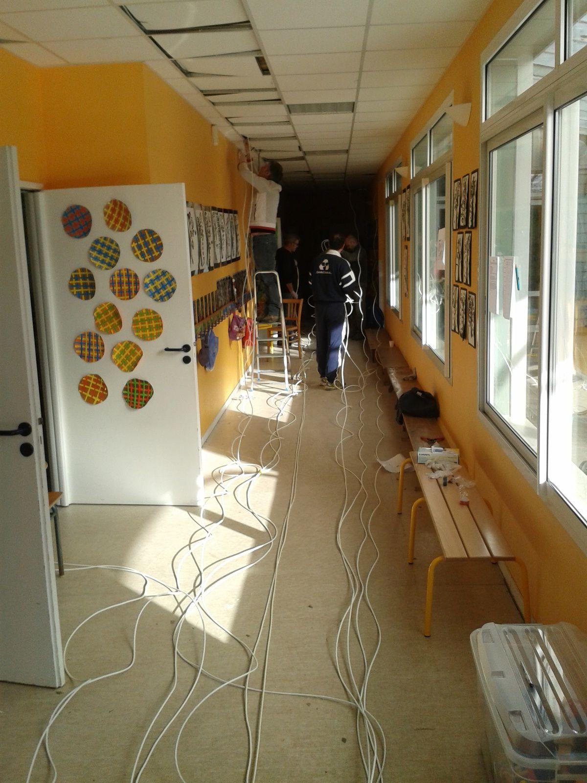 700 mètres de câble ont été déployés dans toute l'école.