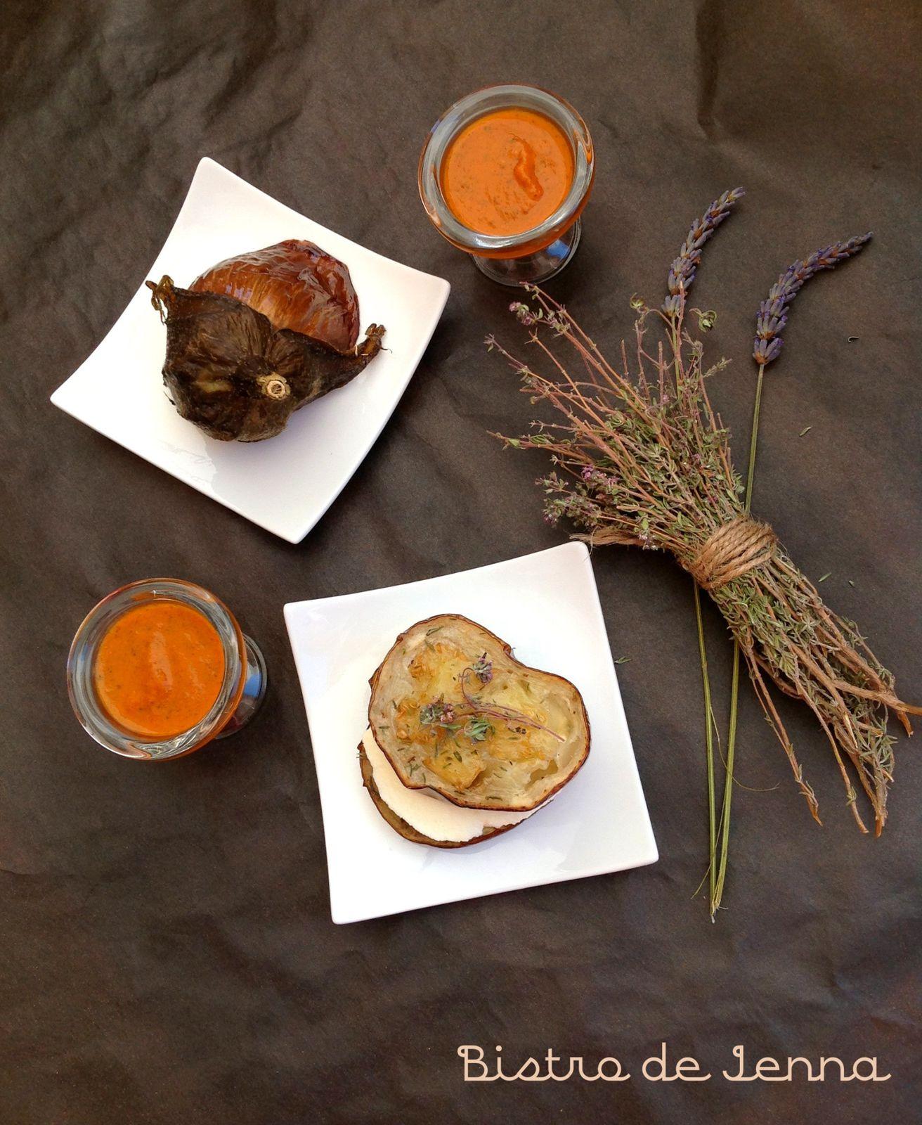 Ma sauce aux poivrons servie dans les jolies coquetiers cocoon commander sur  http://www.latabledarc.com/