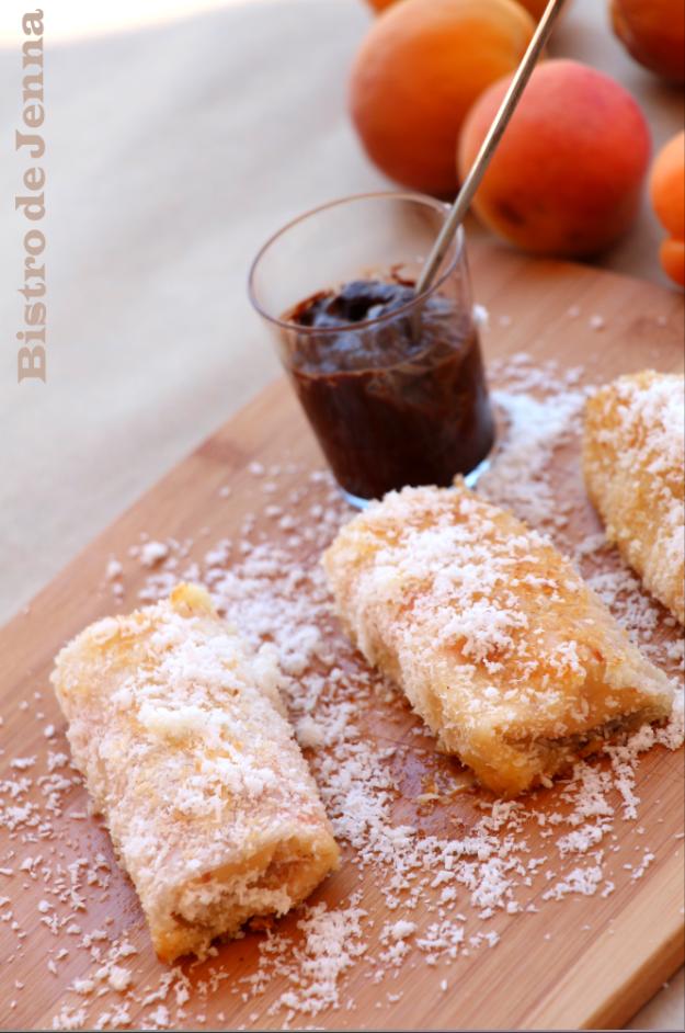 Nem aux abricots & sauce chocolat