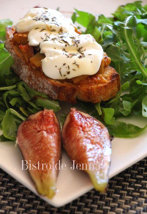 Tartine gratinée aubergine, tomates et chèvre frais