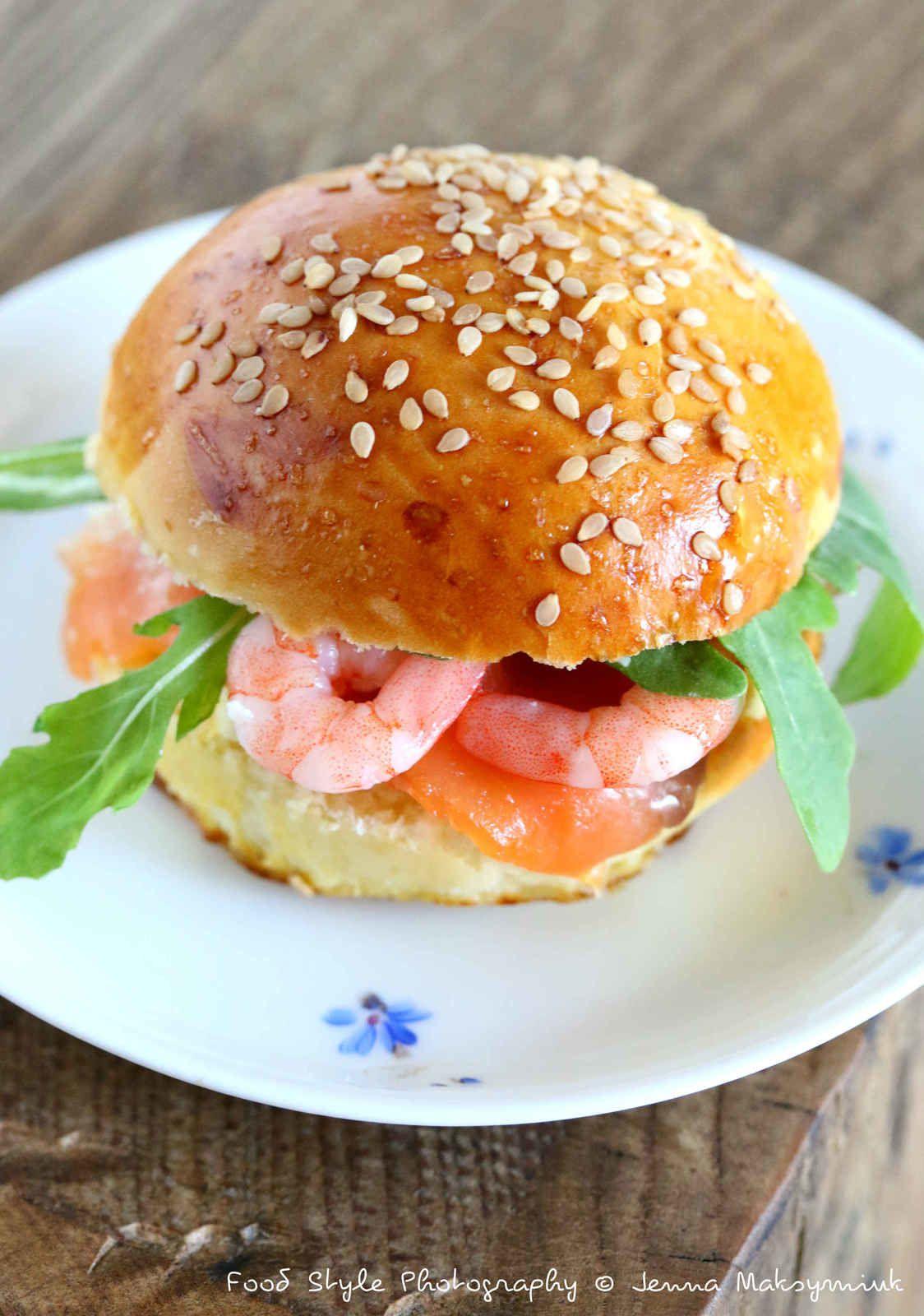 Mini burger au saumon et crevettes