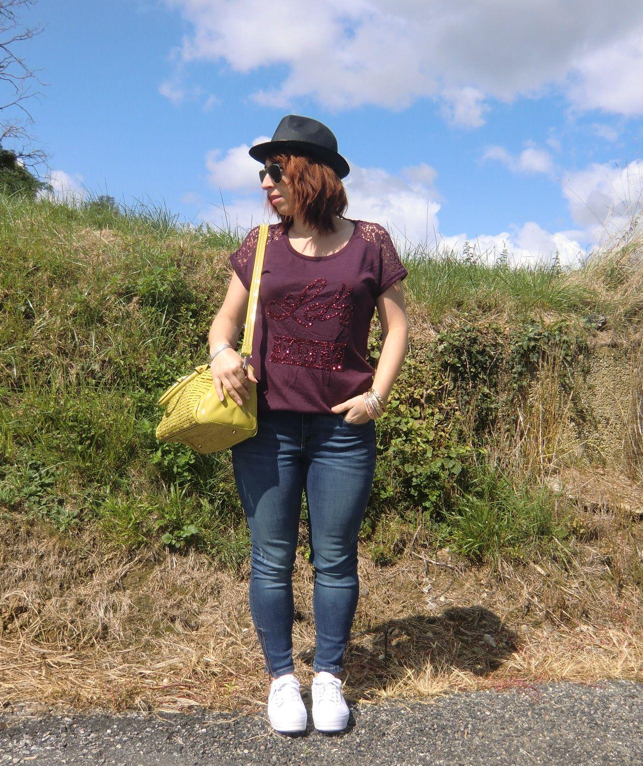 Love my jean &amp&#x3B; burgundy
