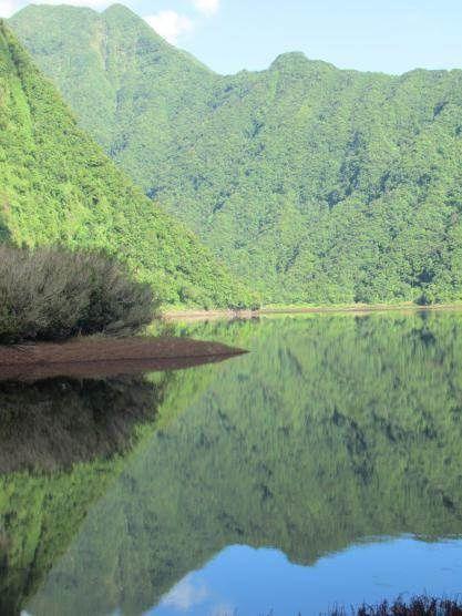 La Cascade de Bras d'Annette se dévoile. Nous les admirerons de loin.