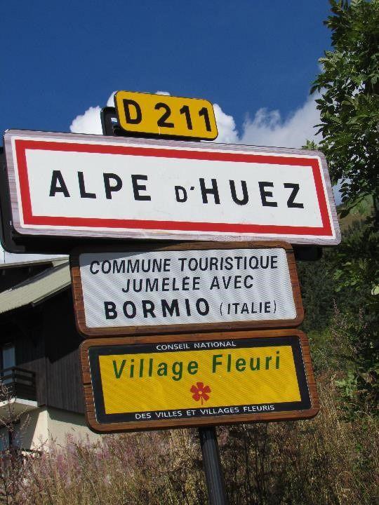 Dans les derniers virages, nous rentrons dans l'Alpe d'Huez