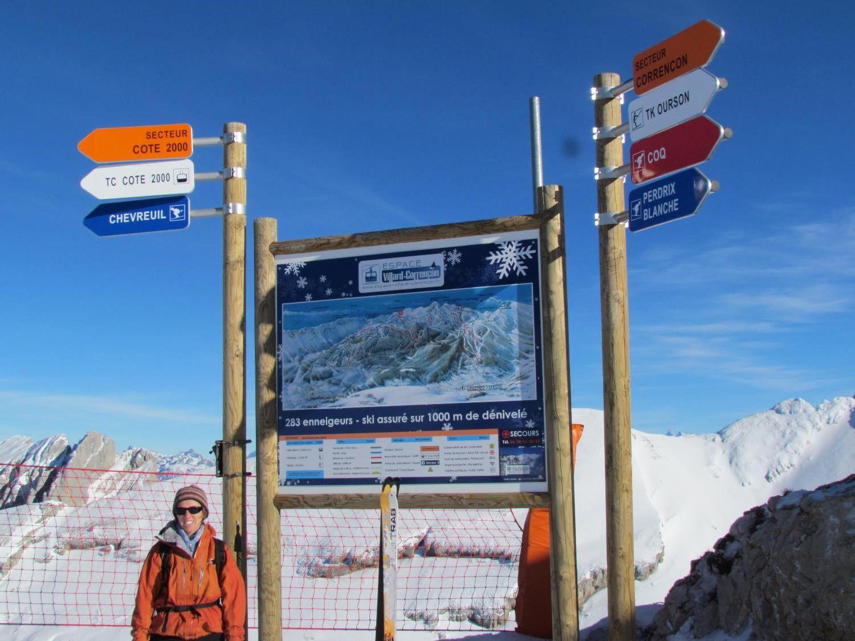 Rochers des Jaux à proximité du télésiège qui arrive sur la crête à 2029 m