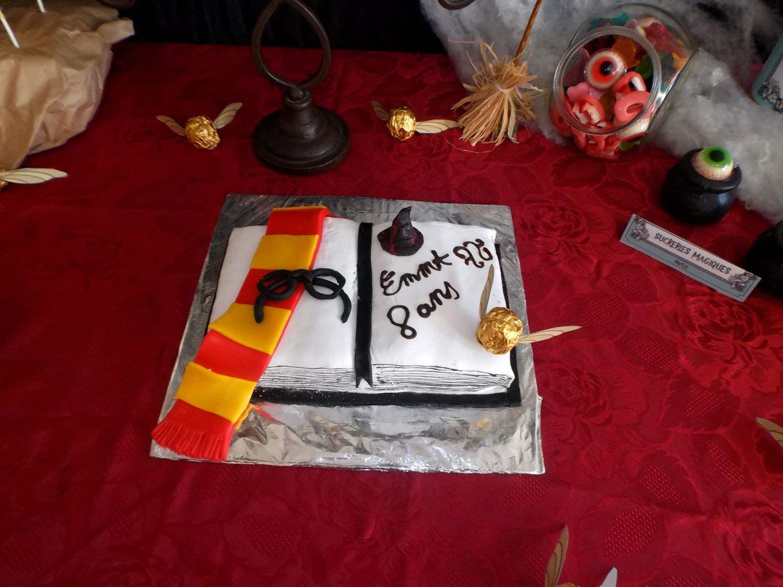 Anniversaire sur le th me harry potter les micmacs de for Decoration gateau nouvel an