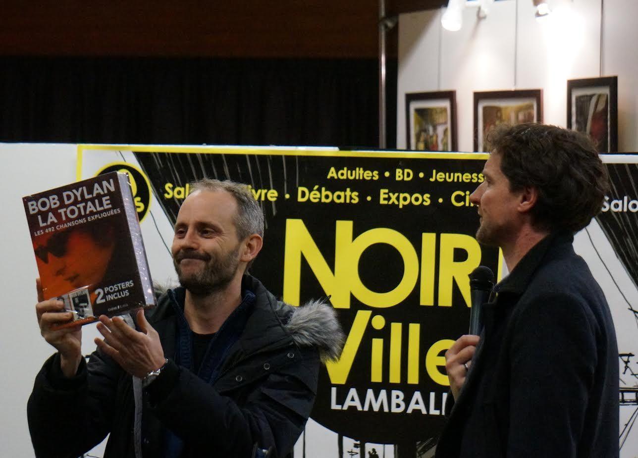 Colin Niel recevant son prix à Lamballe samedi dernier