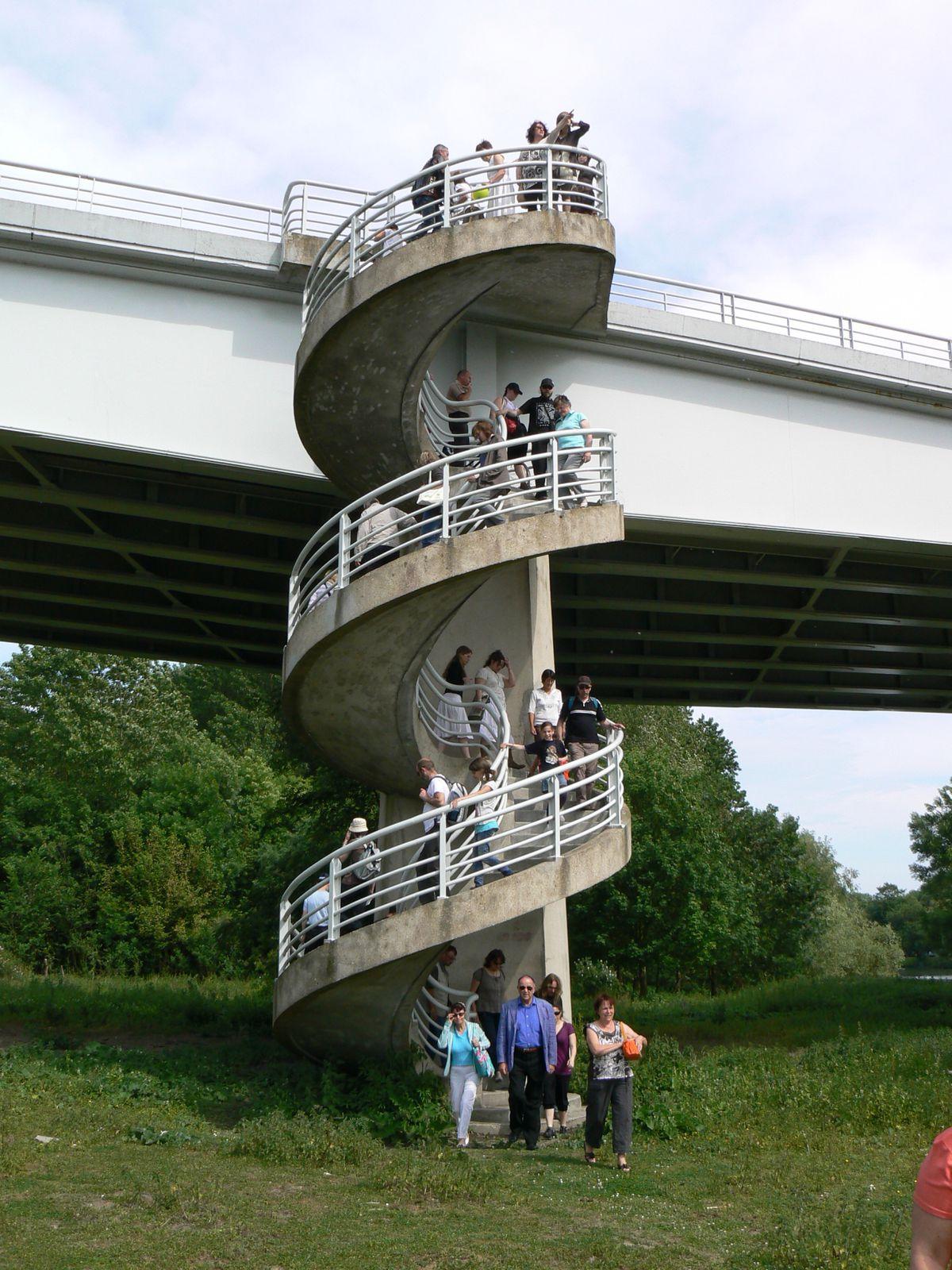 Une de mes visites commentées de Pont-de-l'Arche en 2011 (ile Saint-Pierre).