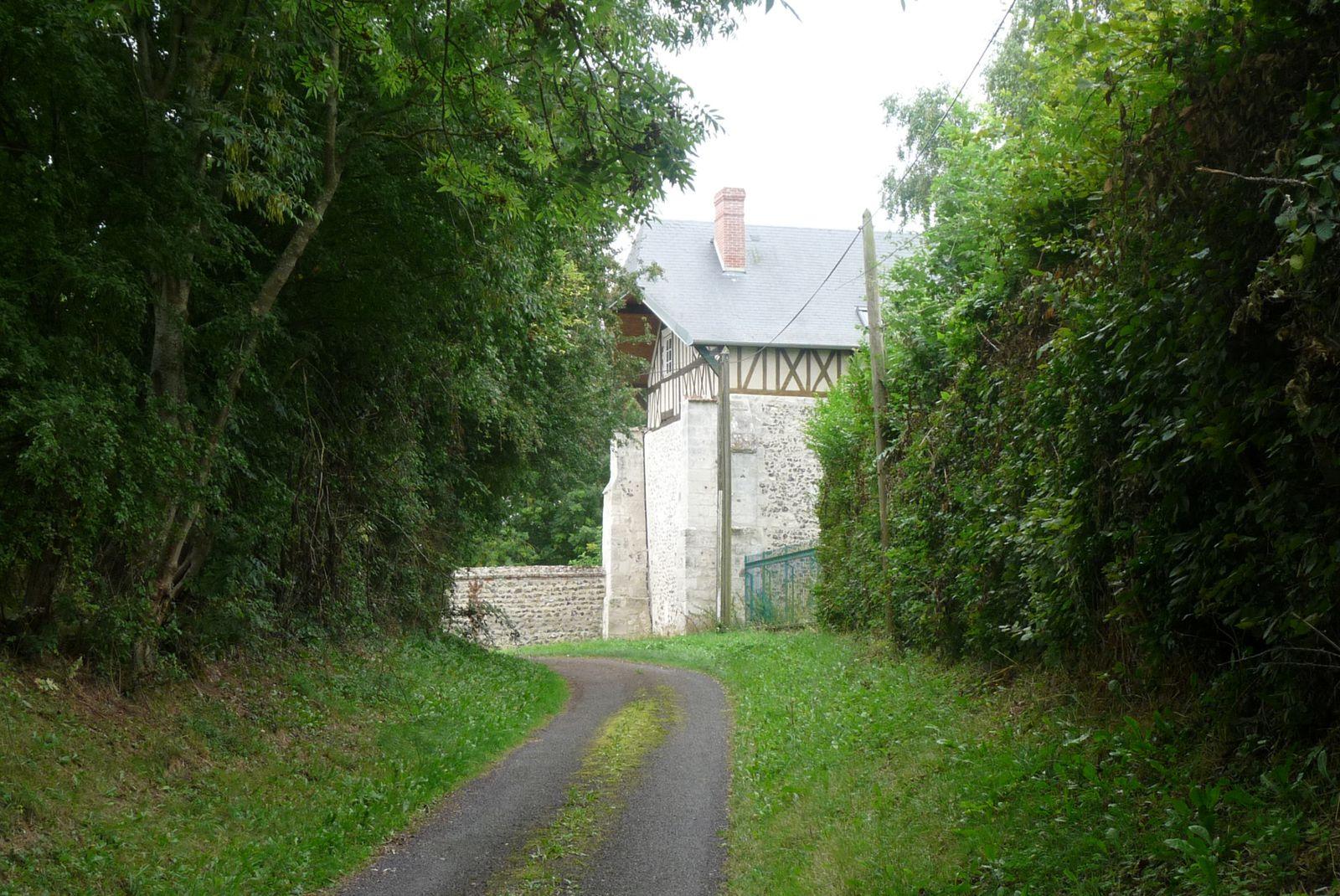 Vues diverses sur l'ancienne ferme de Blacquetuit (clichés Armand Launay, été 2013)