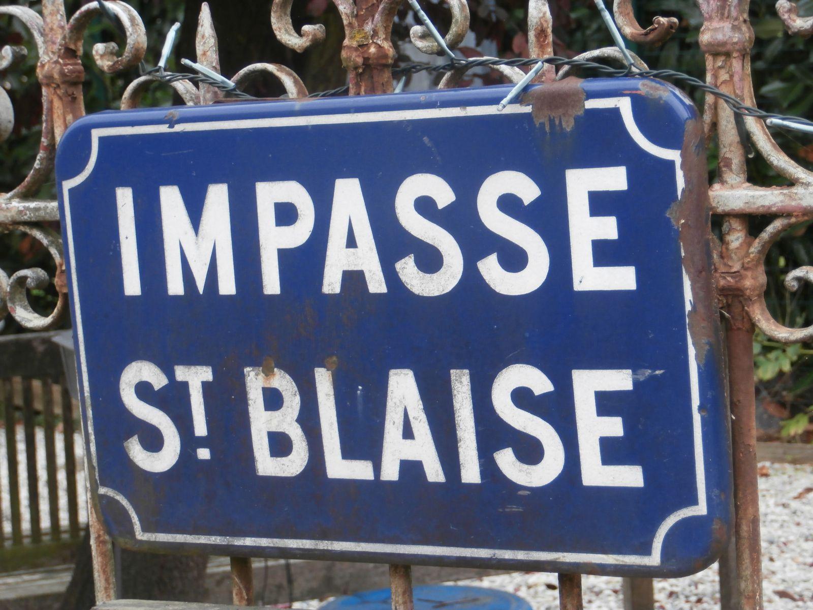 L'impasse Saint-Blaise rappelle de nos jours le nom de tout un quartier montaurois (cliché Armand Launay, octobre 2013).