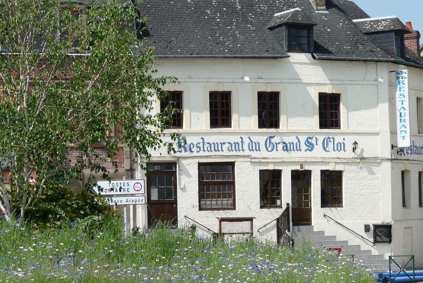 Au grand Saint-Eloi en 2013 avant les travaux de la place Aristide-Briand (cliché Armand Launay).