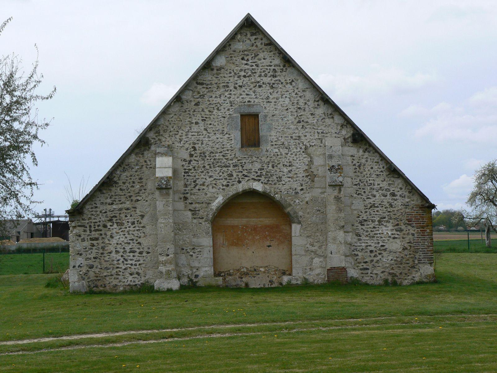 La grange dimière de la ferme de Blacquetuit, vue mur pignon nord (cliché Armand Launay, été 2013).