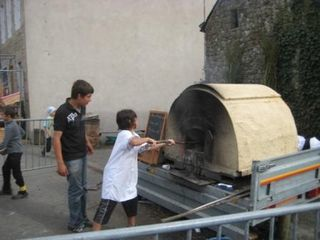 F te du pain et de battages de plougenast 2012 pour la for Fabrication four a pain