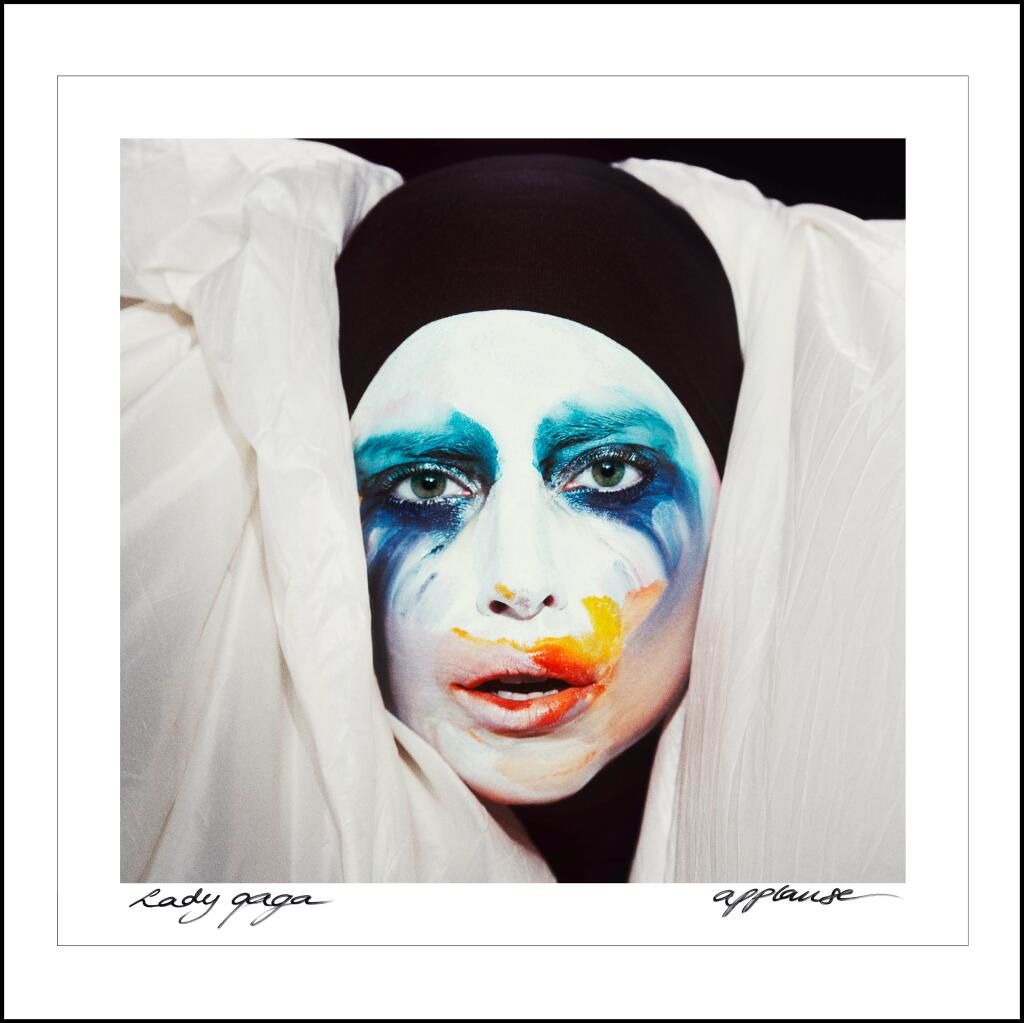 New : Lady Gaga - Applause