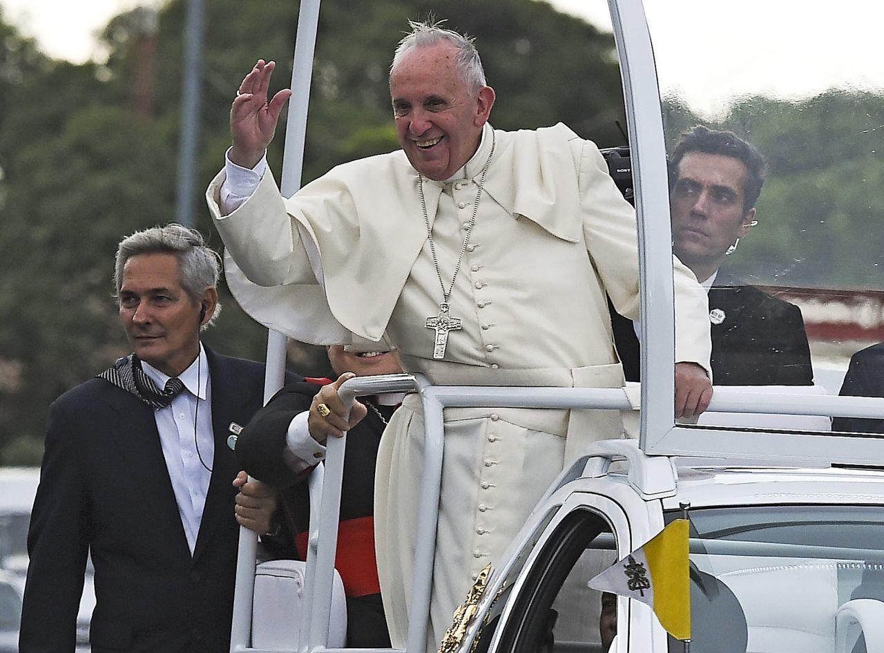 Le pape appelle Cuba à une plus grande ouverture