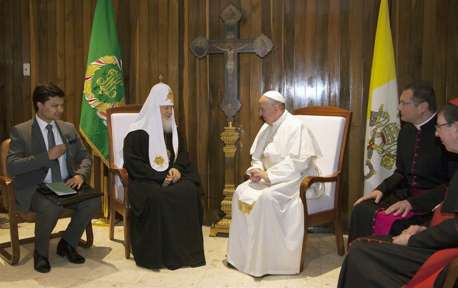 À Cuba, accolade historique entre le pape et le patriarche de Moscou