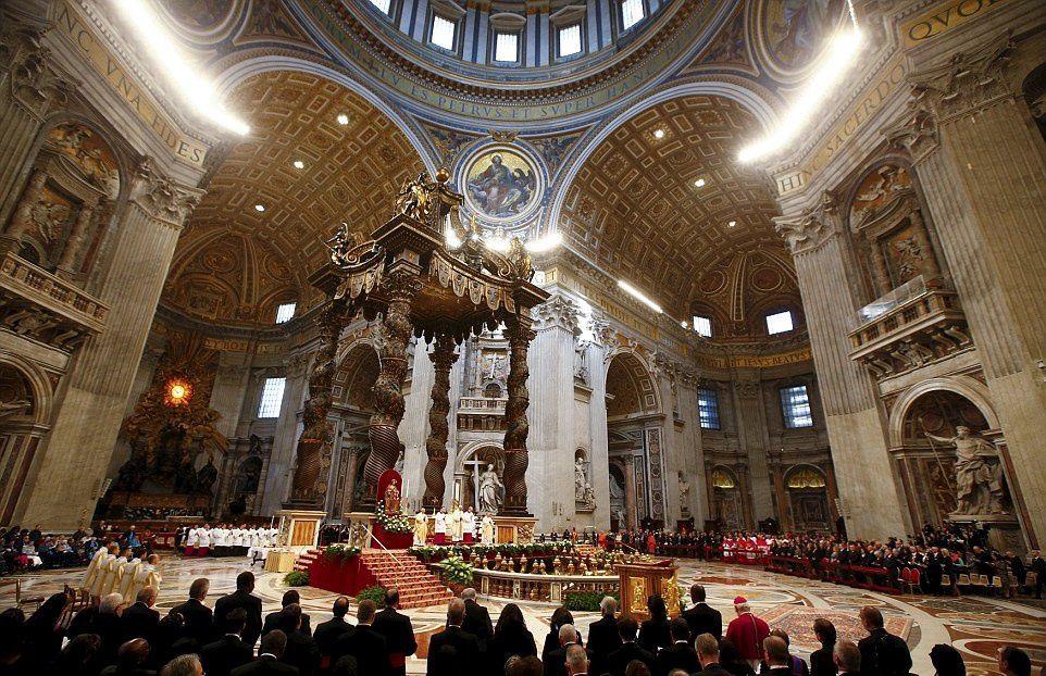 Le pape rappelle à deux nouveaux évêques que derrière chaque lettre qu'ils reçoivent se trouve une personne