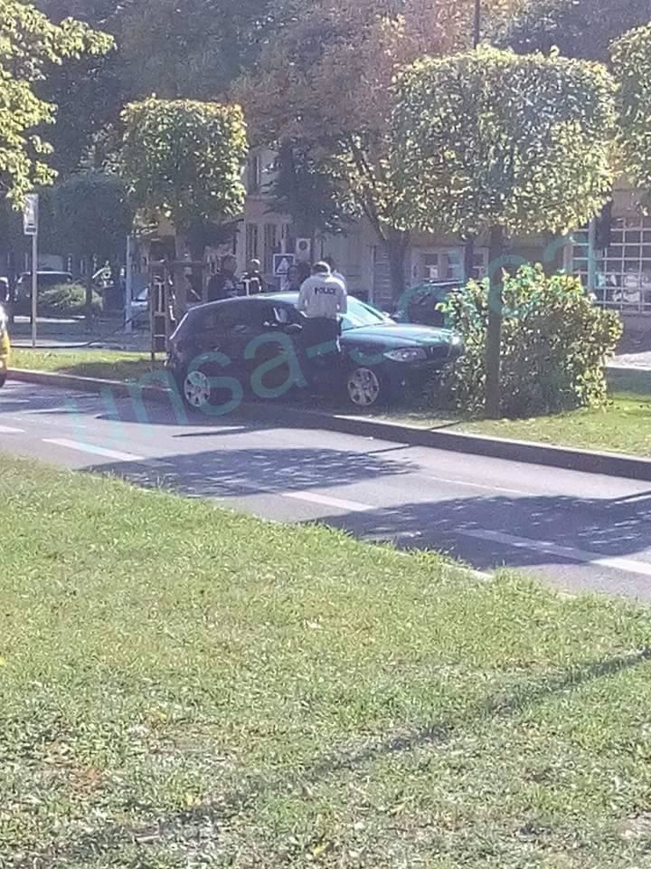 Voiture contre un arbre: le trafic du tramway perturbé - Samedi 22 Octobre 2016