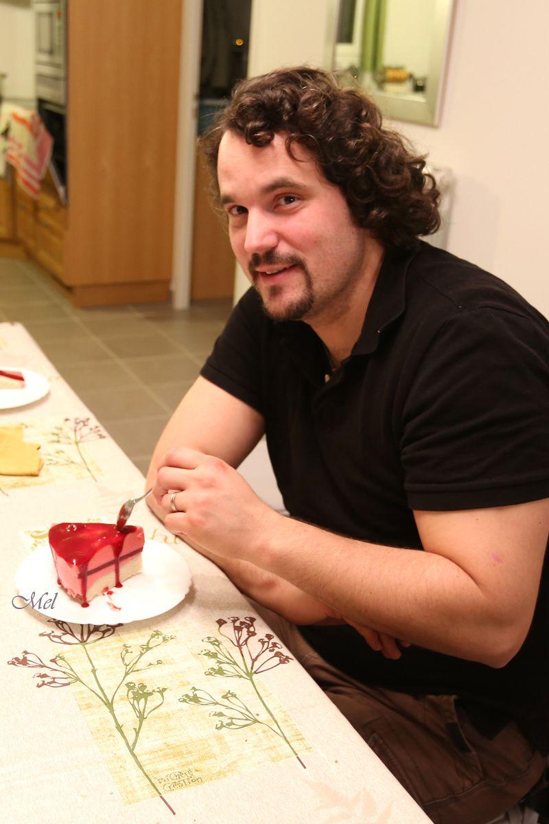 """""""Will aux trois estomacs"""" qui trouvait sa portion toute petite ^^ Version décorée de coulis de framboise."""
