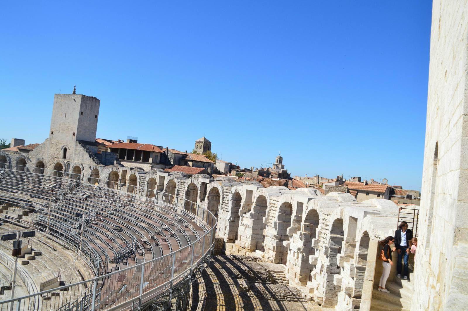 Voyage dans les Alpilles (1): Arles, les arênes.