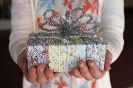 À qui appartient le cadeau ?