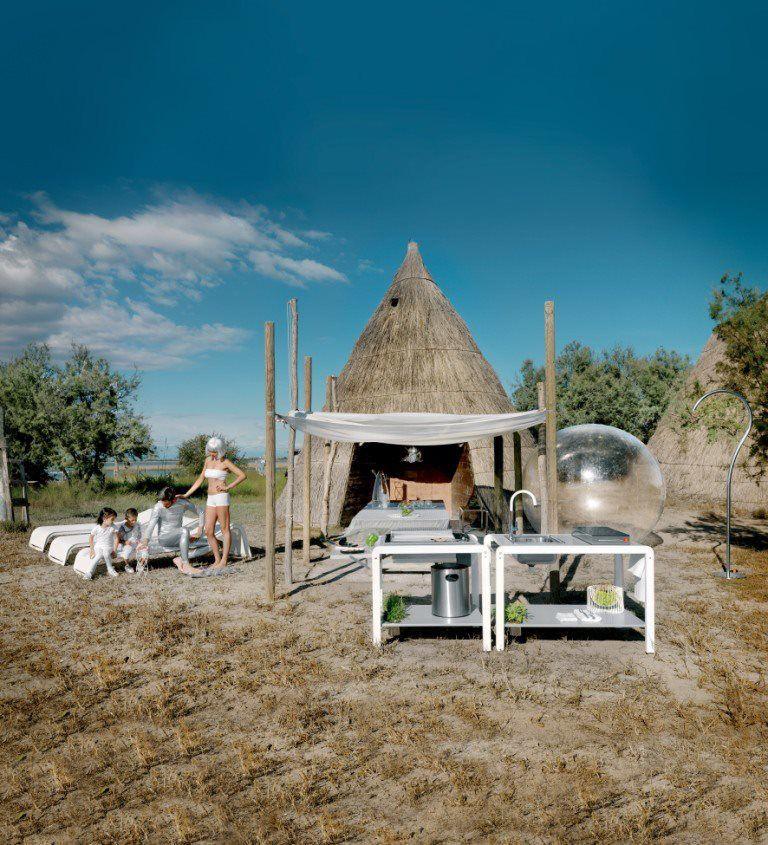 Outdoor Kitchen IN-VITTO by  AlfredoTasca, Marco De Luca, Raffaele Lazzari for MetalCo Home