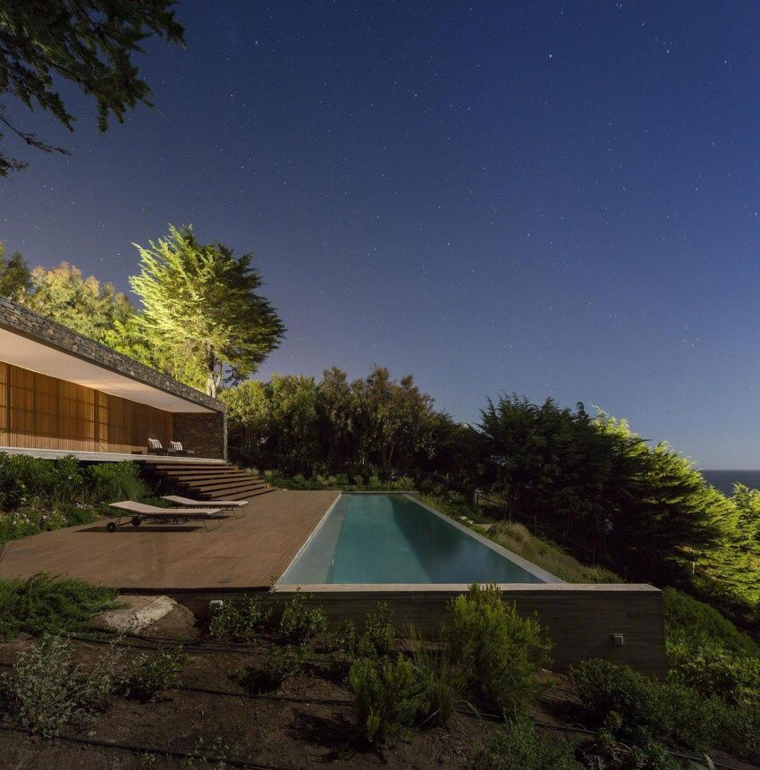 Casa Rocas in Valparaiso Region by Studio MK27