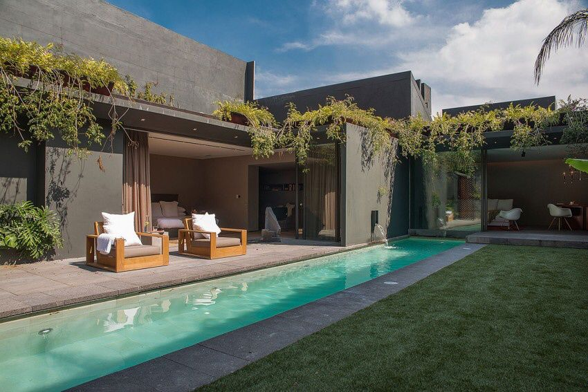 Mexico City Barrancas House by by EZEQUIELFARCA arquitectura y diseño.