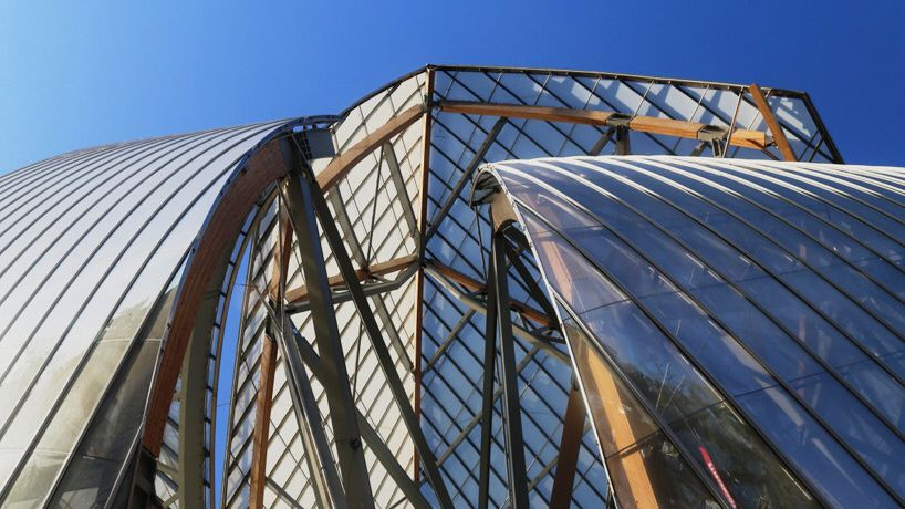 Advancement Fondation Louis Vuitton by Frank Gehry