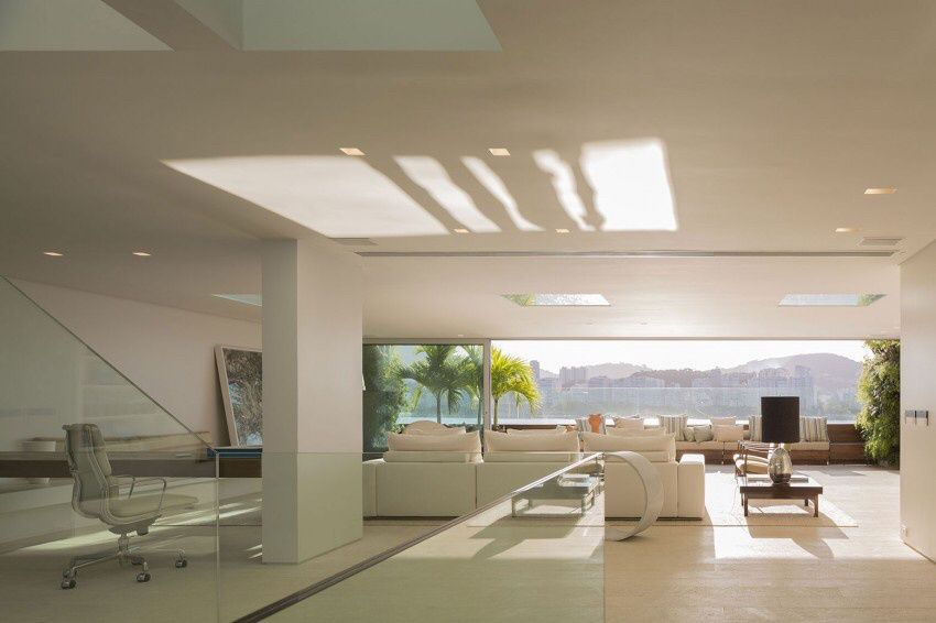 Rio de Janeiro Urca house by Studio Arthur Casas