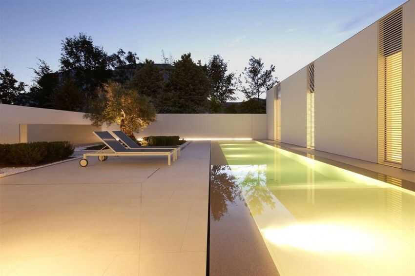 Venice Jesolo Lido Pool Villa by JM Architecture