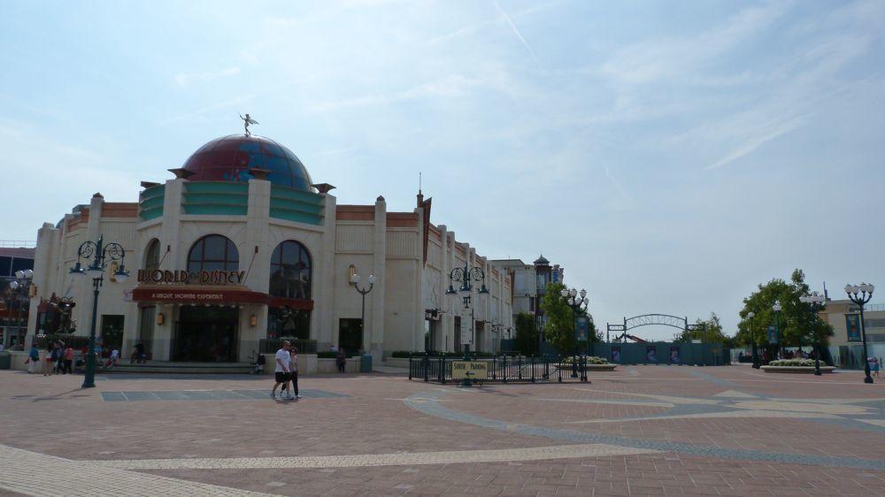 Nouveaux portails et enseignes de l'esplanade des parcs (2014-2015) - Page 3 Ob_2512abcba928006dfebd8c24b7e08bc4_p1270786
