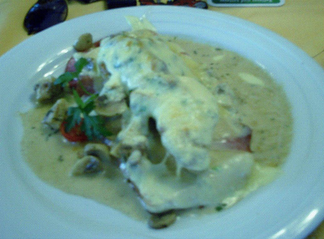 Wir haben gut gegesen !! the food was good !! merci petit jésus on a la peau du ventre bien tendue