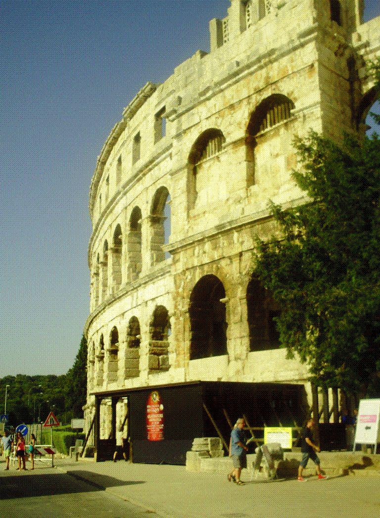 L'ARENE DE PULA - 5EME PLUS GRANDE ARENE ROMAINE DANS LE MONDE
