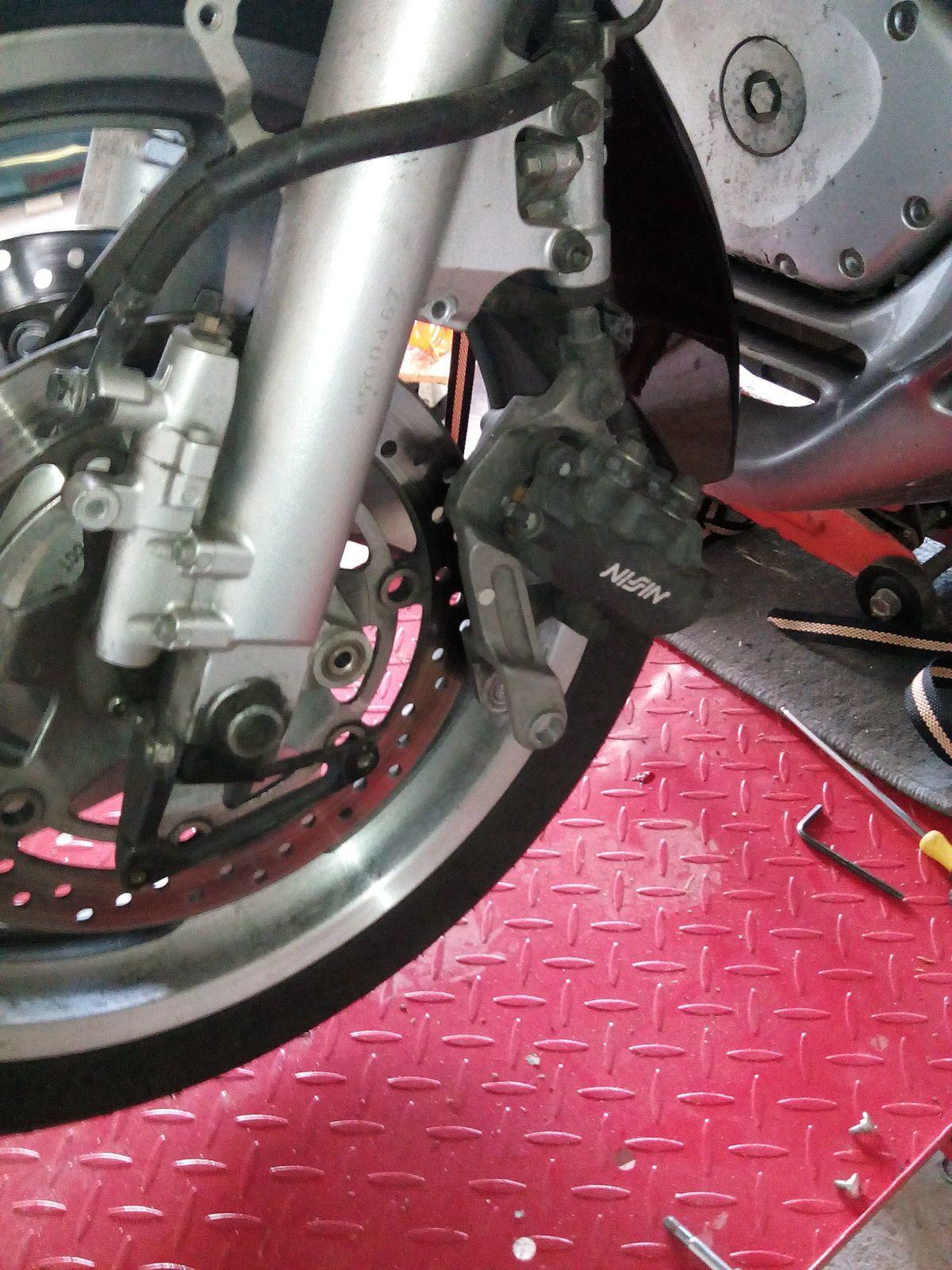 Goldwing - Changement de pneus AV et AR GL1800 et billes Dyna beads