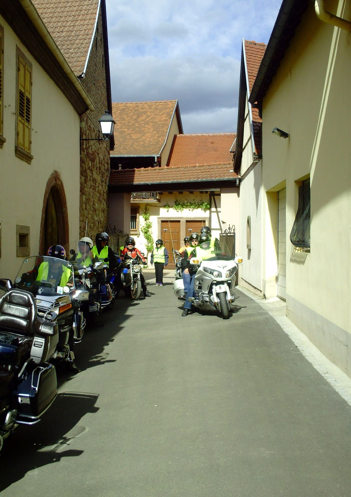 ALLEZ LES MOTARDS EN PLACE