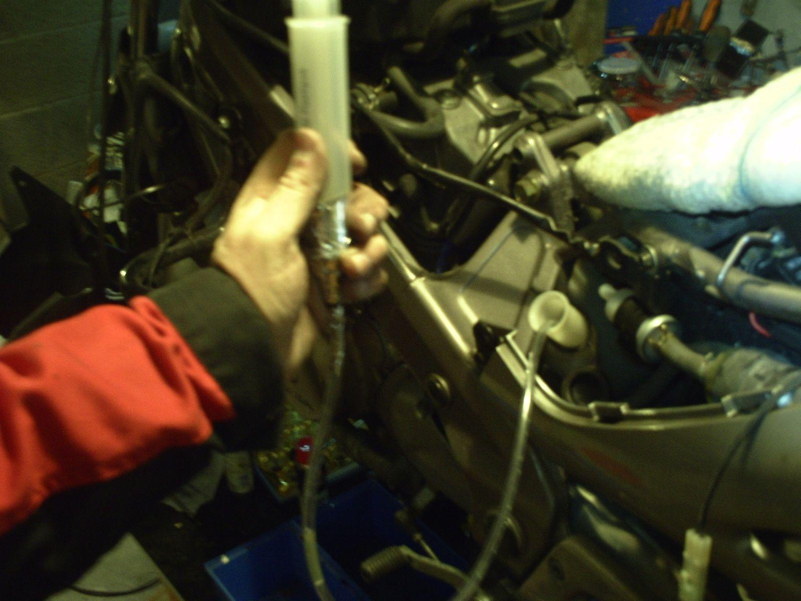Deauville 650 - Changer le liquide de refroidissement et ralenti