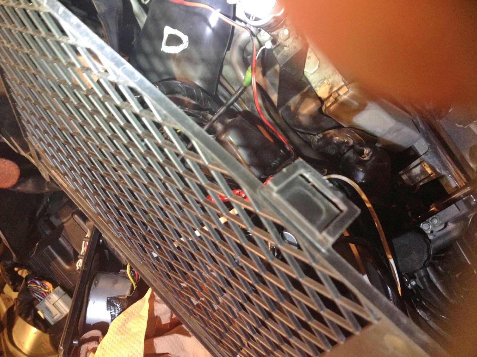 Goldwing 1800 - Chromer les grilles radiateur
