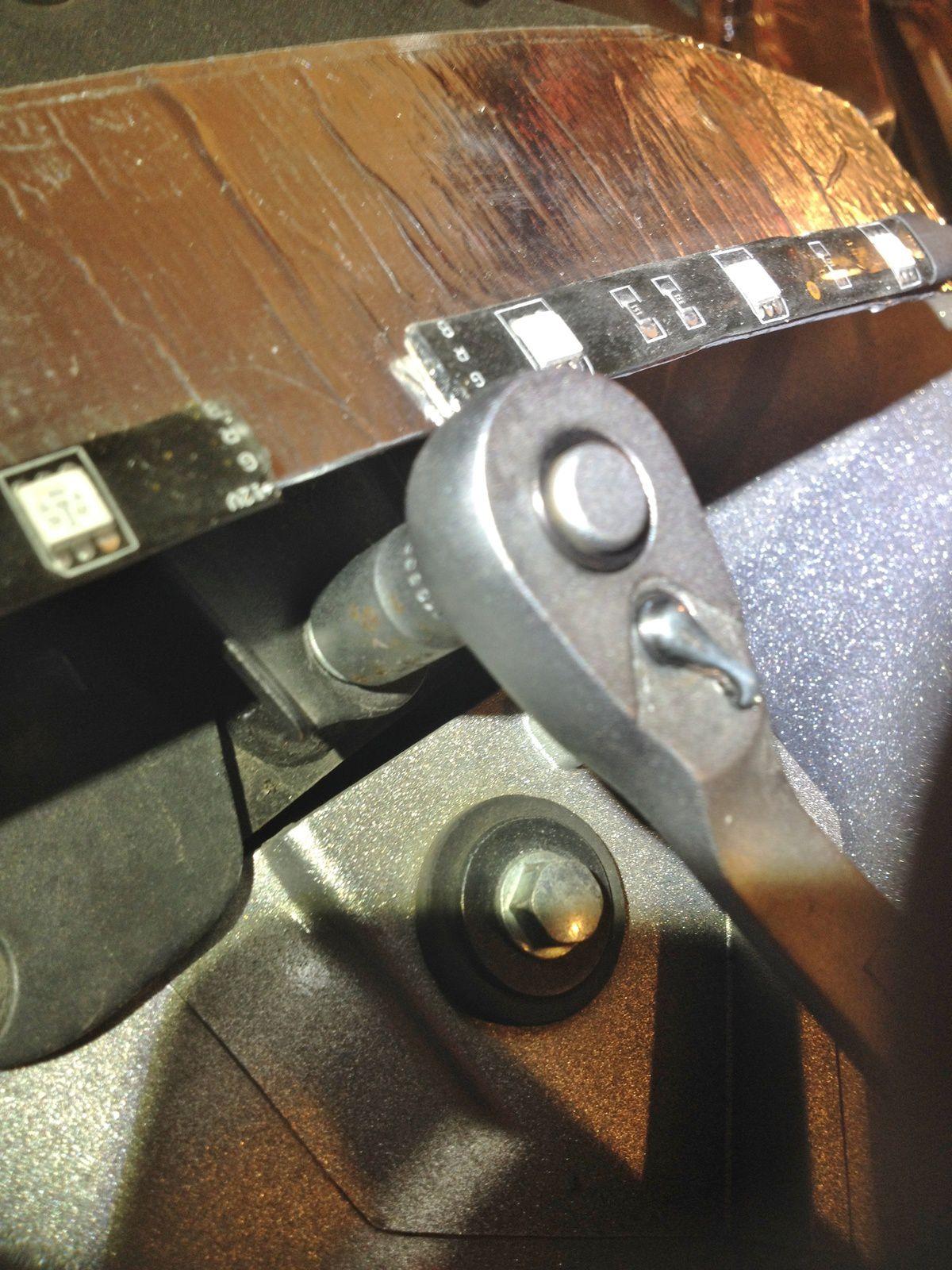 Goldwing 1800 - Déposer le boomerang et changer son pare-brise