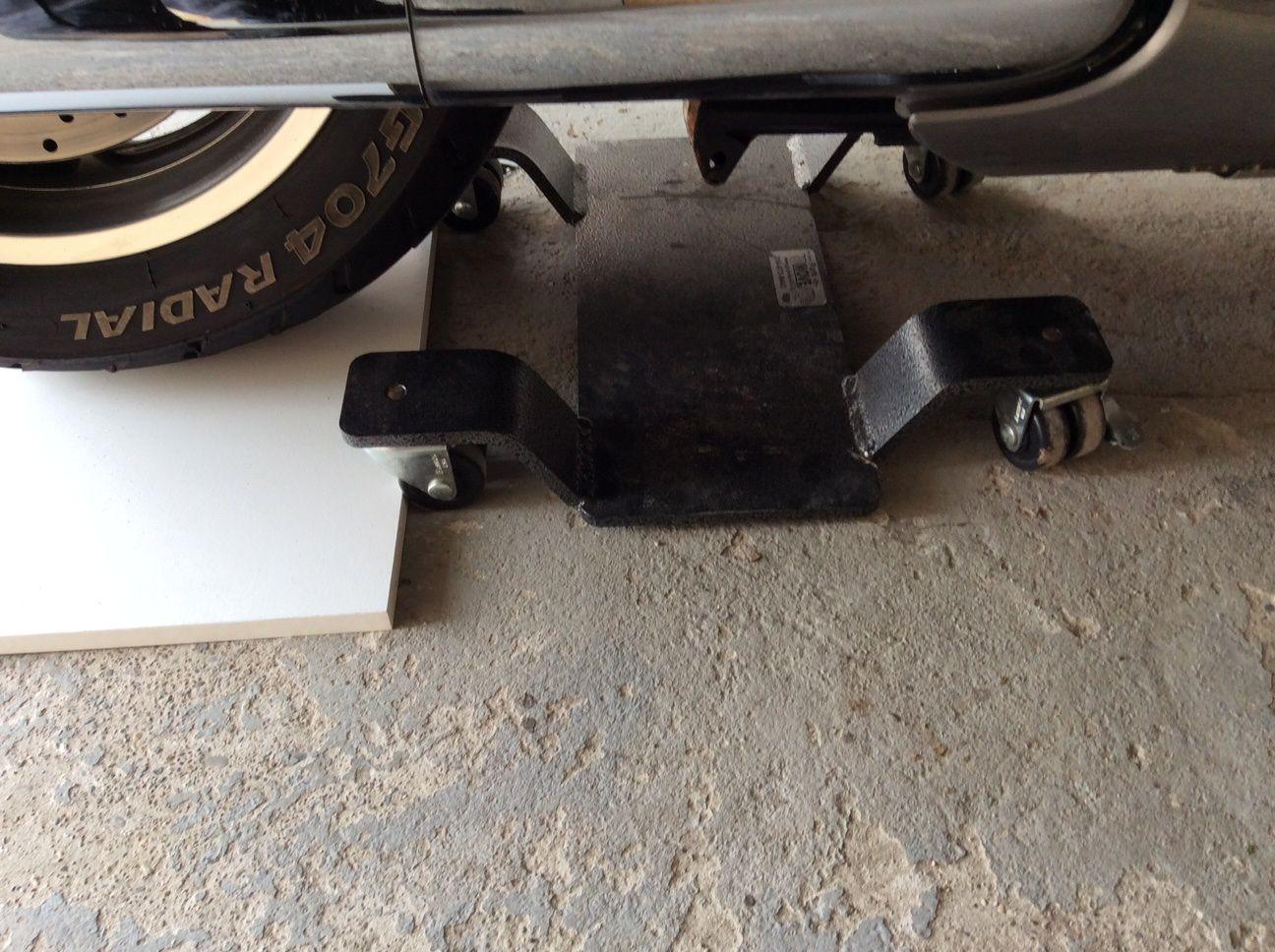 Goldwing - déplacer sa moto (park move) dans un garage