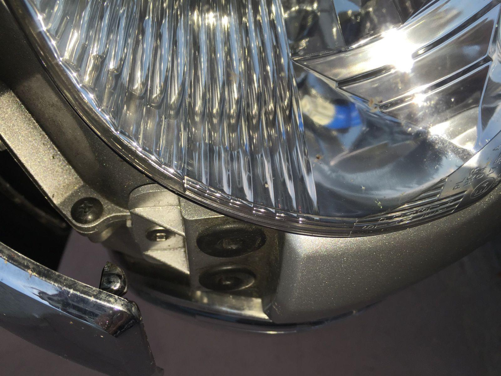 Goldwing - changer l'ampoule de la veilleuse sur la 1800