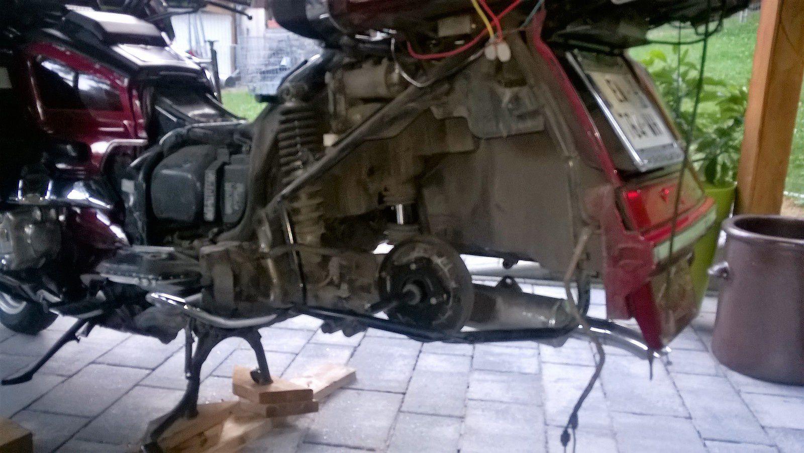 Goldwing 1500 - Fourches réparées et huile et joints spy changés