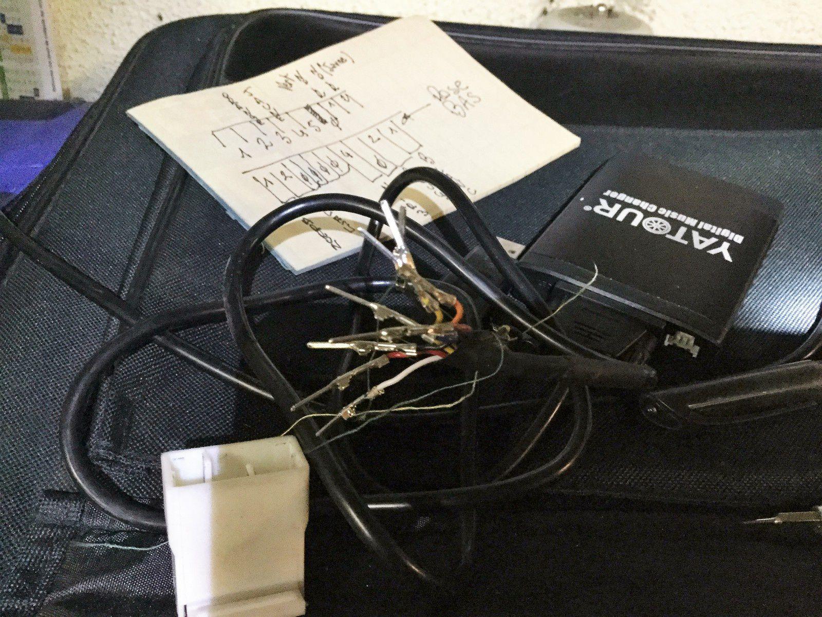 Goldwing 1800 - Installer un YATOUR pour vos MP3 et astuce