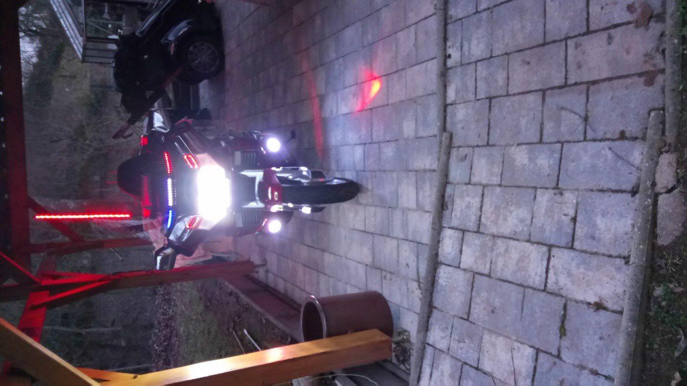 Goldwing unsersbande - Rajouter des feux de trottoirs perso sur une 1500