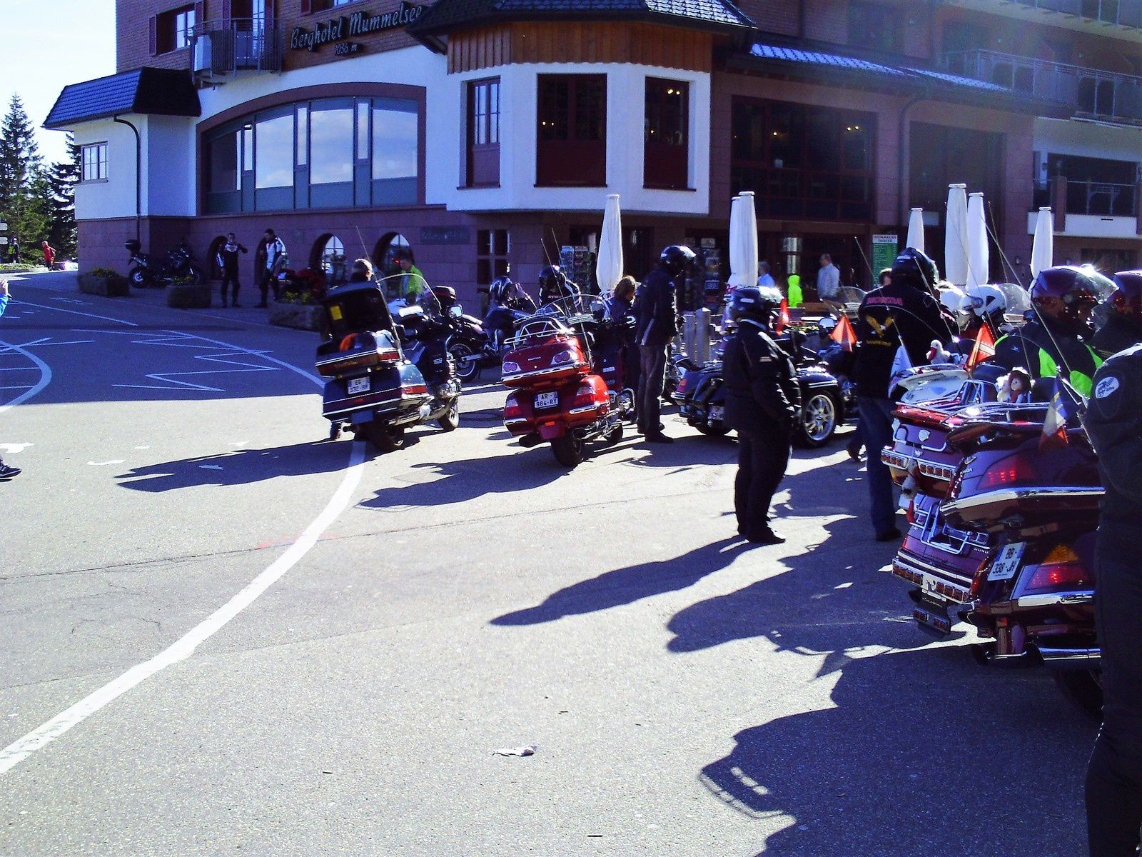 Goldwing Unsersbande - ballade au Mummelsee avec un grand groupe de motards